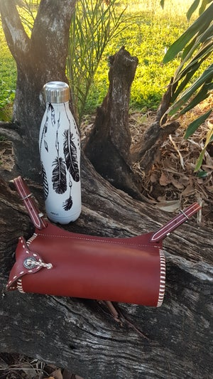 Image of 750ml Bottle and Holder with White Lacing