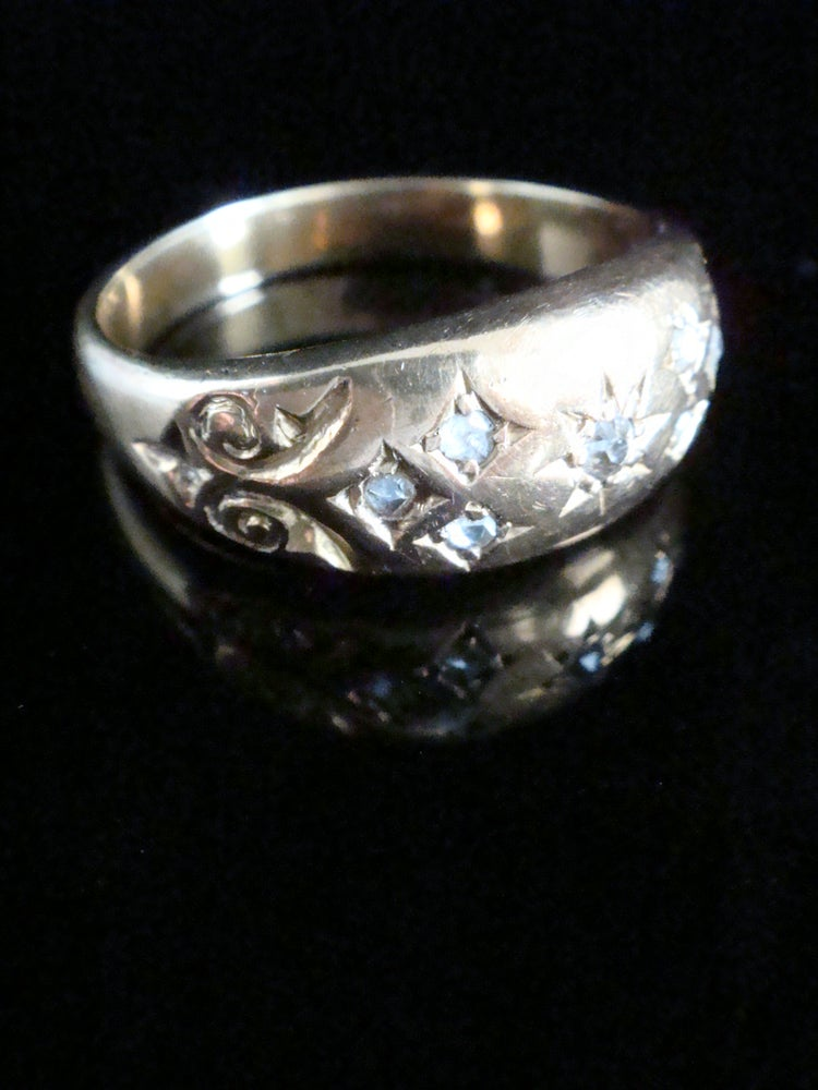 Image of Victorian 18ct rose cut diamond gypsy band ring