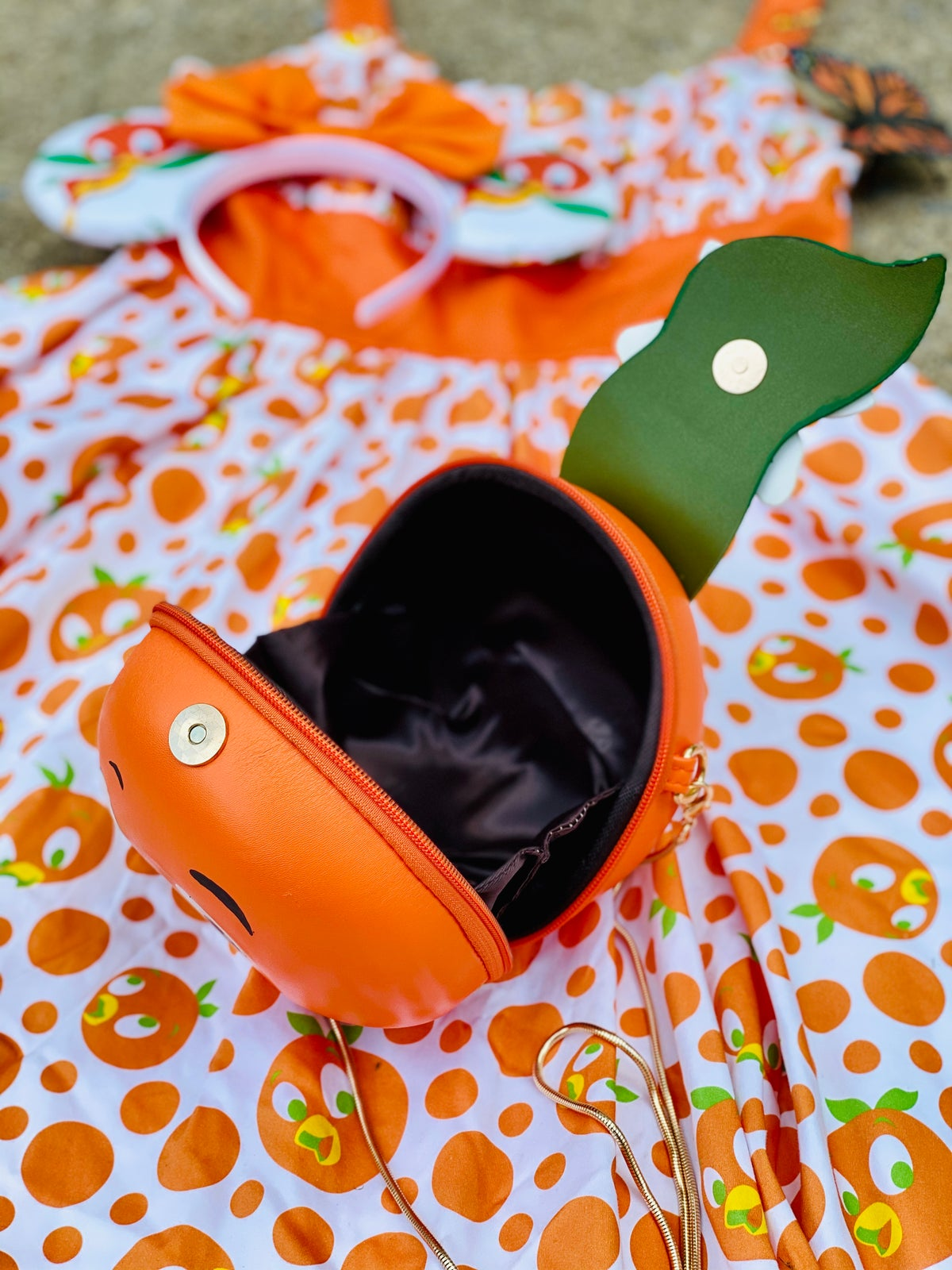 Image of Orange Crossbody purse