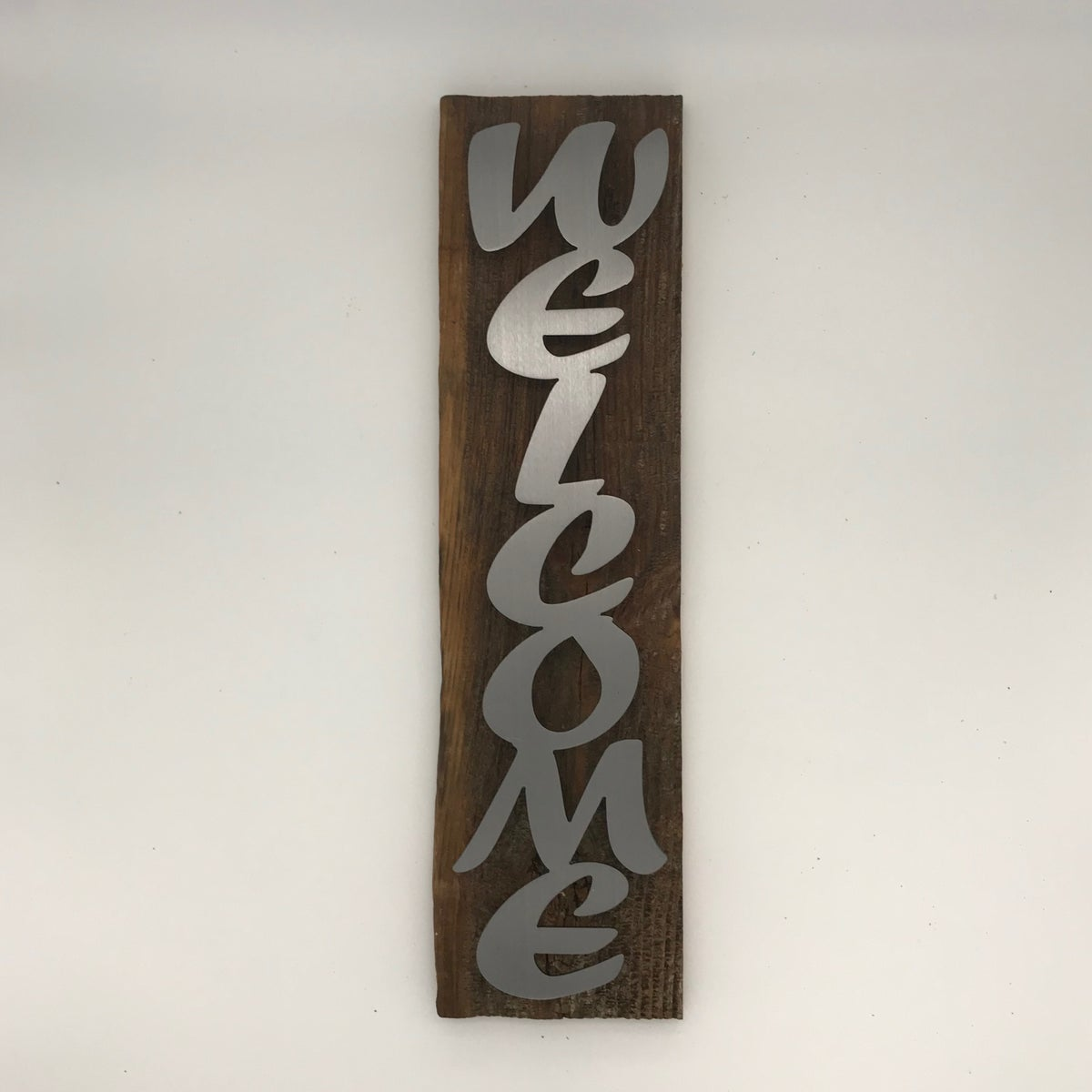 Welcome on Barnwood with Script Text