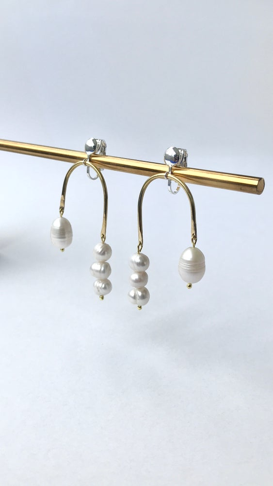 Image of Arch & Pearls