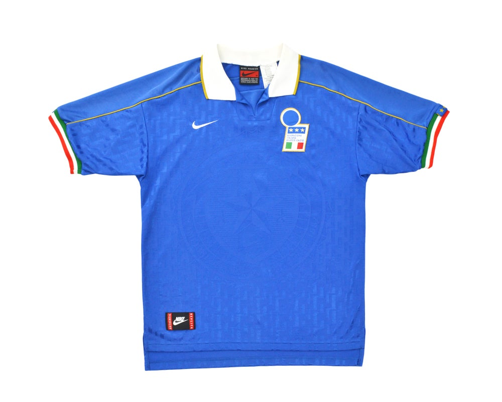 Image of 1995-96 Nike Italy Home Shirt M