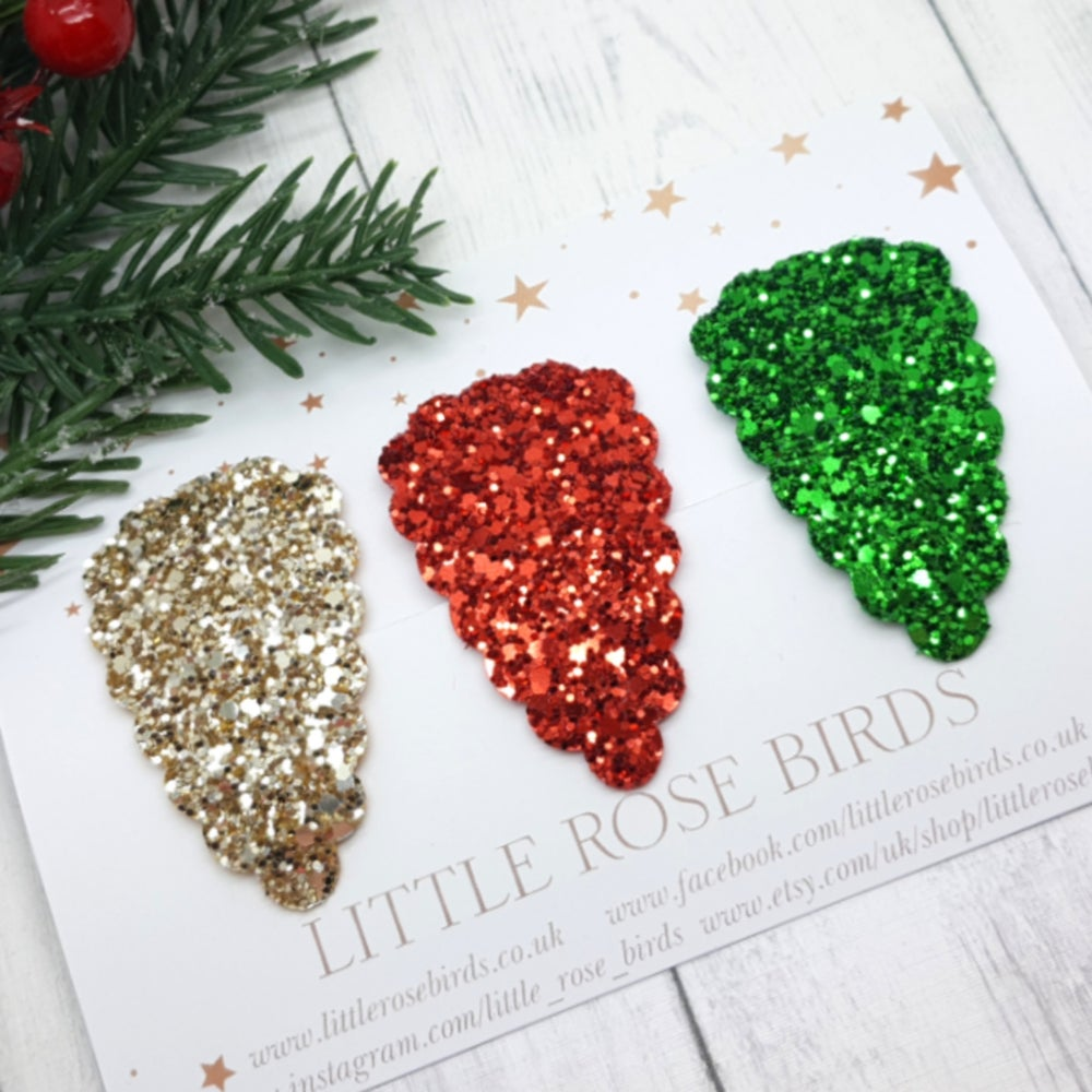 Image of Red, Gold & Green Glitter Scallop Snap Clip Set