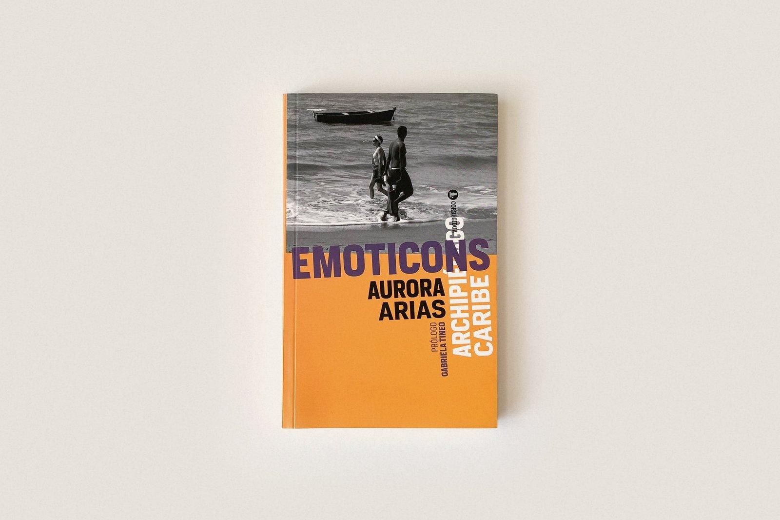 Libro: Emoticons — Aurora Arias
