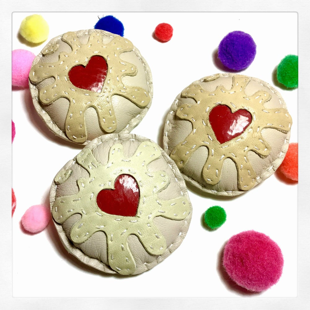 Image of Jammy Dodger Brooch