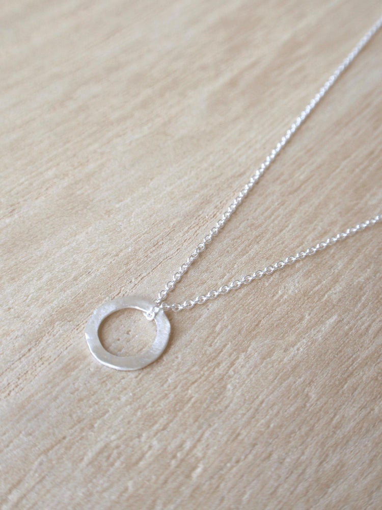 Image of Minimal Round Necklace