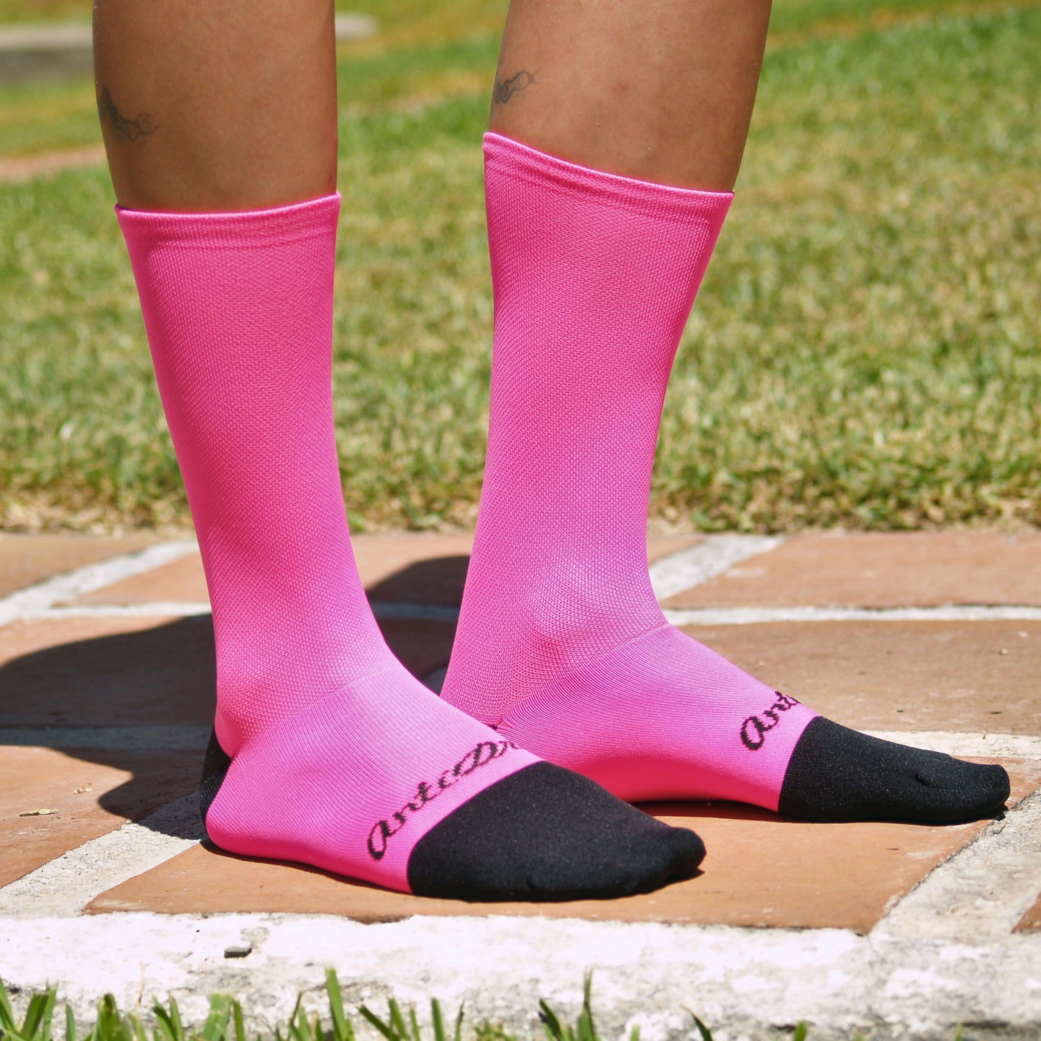 "Image of 6.5 inch tall ""Pink Fluo"" Summer Sock"