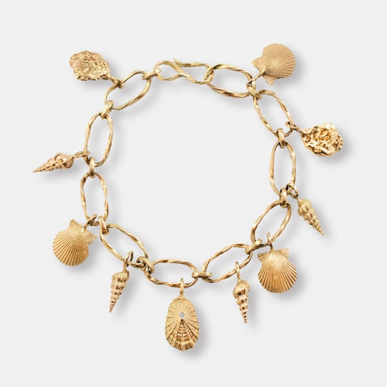 Image of SEA SHELL BRACELET / 14K SOLID GOLD