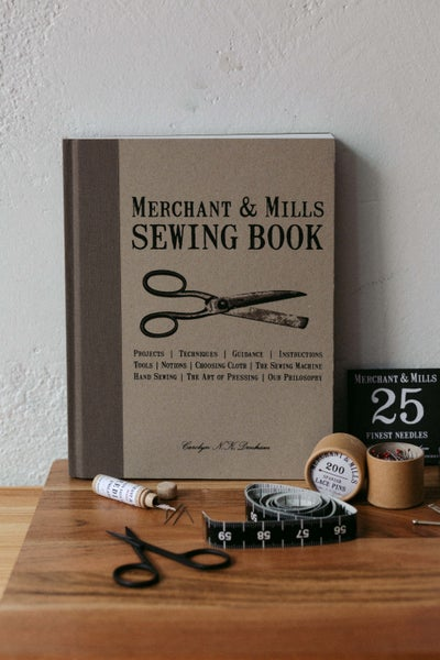 Image of Libro Sewing Book de Merchant & Mills