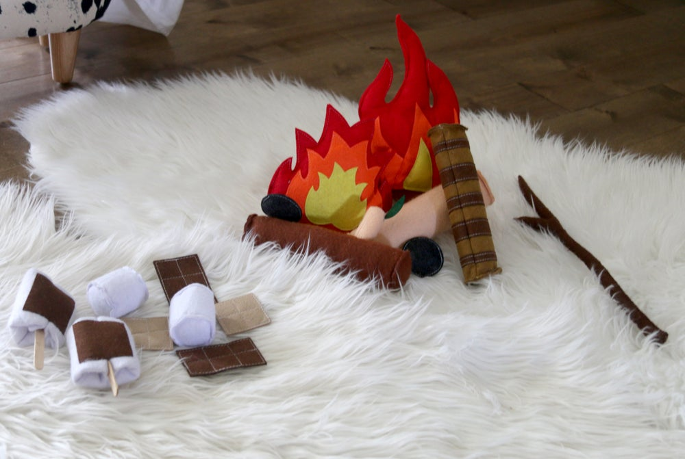 Image of Campfire S'mores Felt Pretend Play Toy Set