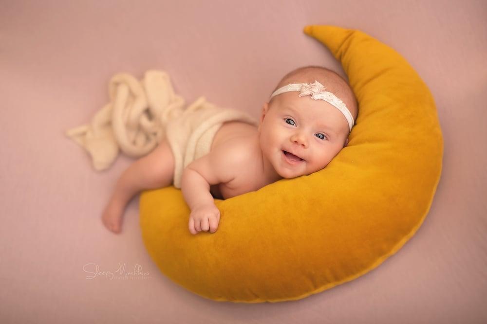 Image of Newborn Photography Session Deposit