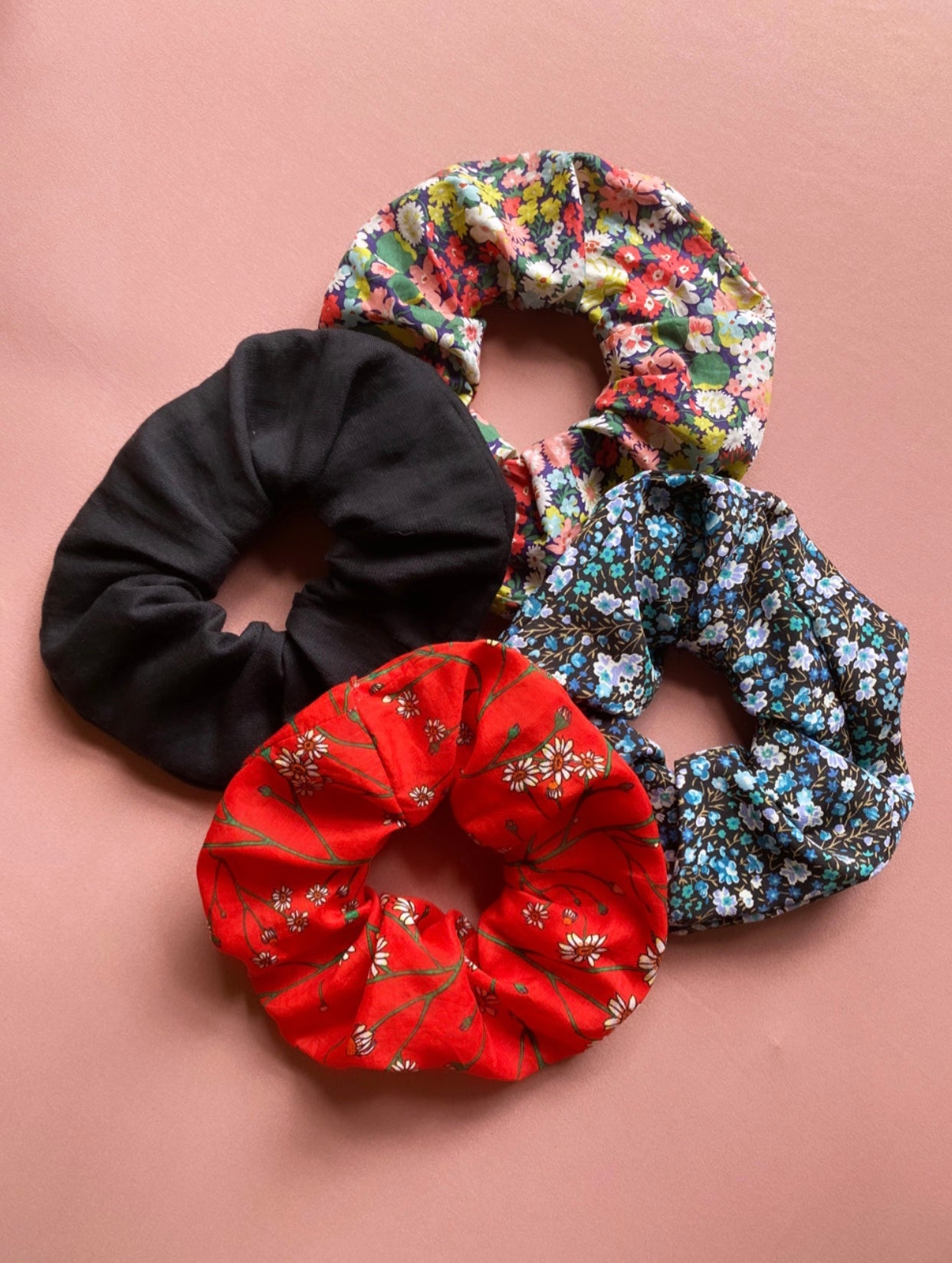 Image of Oversized Scrunchies