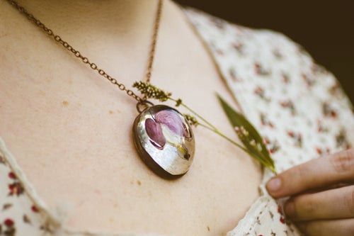 Image of Bleeding Heart (Lamprocapnos spectabilis) - Copper Plated Necklace #1
