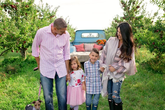 Image of Fall Family Minis With a Truck