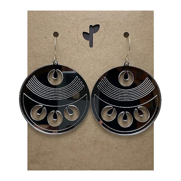 Image of chimalli III / acrylic / silver
