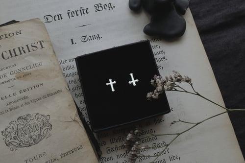 Image of MEMENTO MORI & IROM OTNEMEM. EAR STUDS ↟ silver - miniature trefoil cross & or reversed crucifix