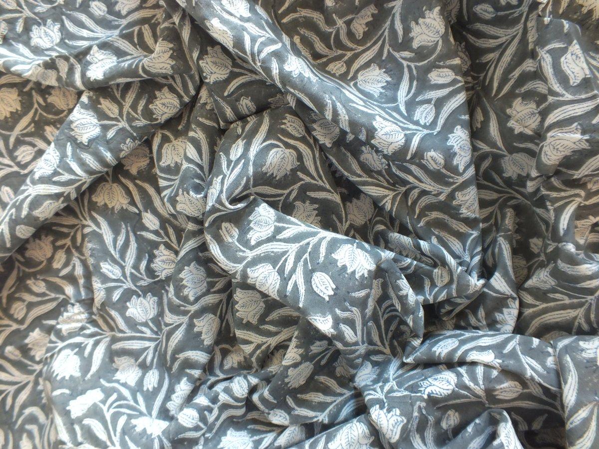 Image of Namasté fabric coquelicots gris et blancs