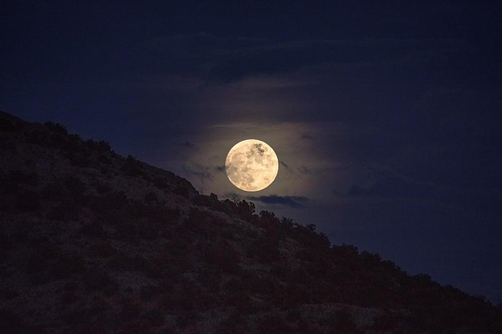 Image of Full Moon Rising