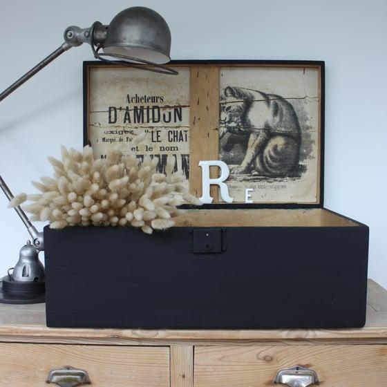 Image of Grande boite/malle en bois de transport Amidon Le Chat OFFMAN.