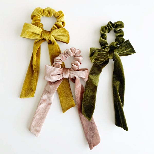 Image of Frosted Velvet Scrunchie Bows