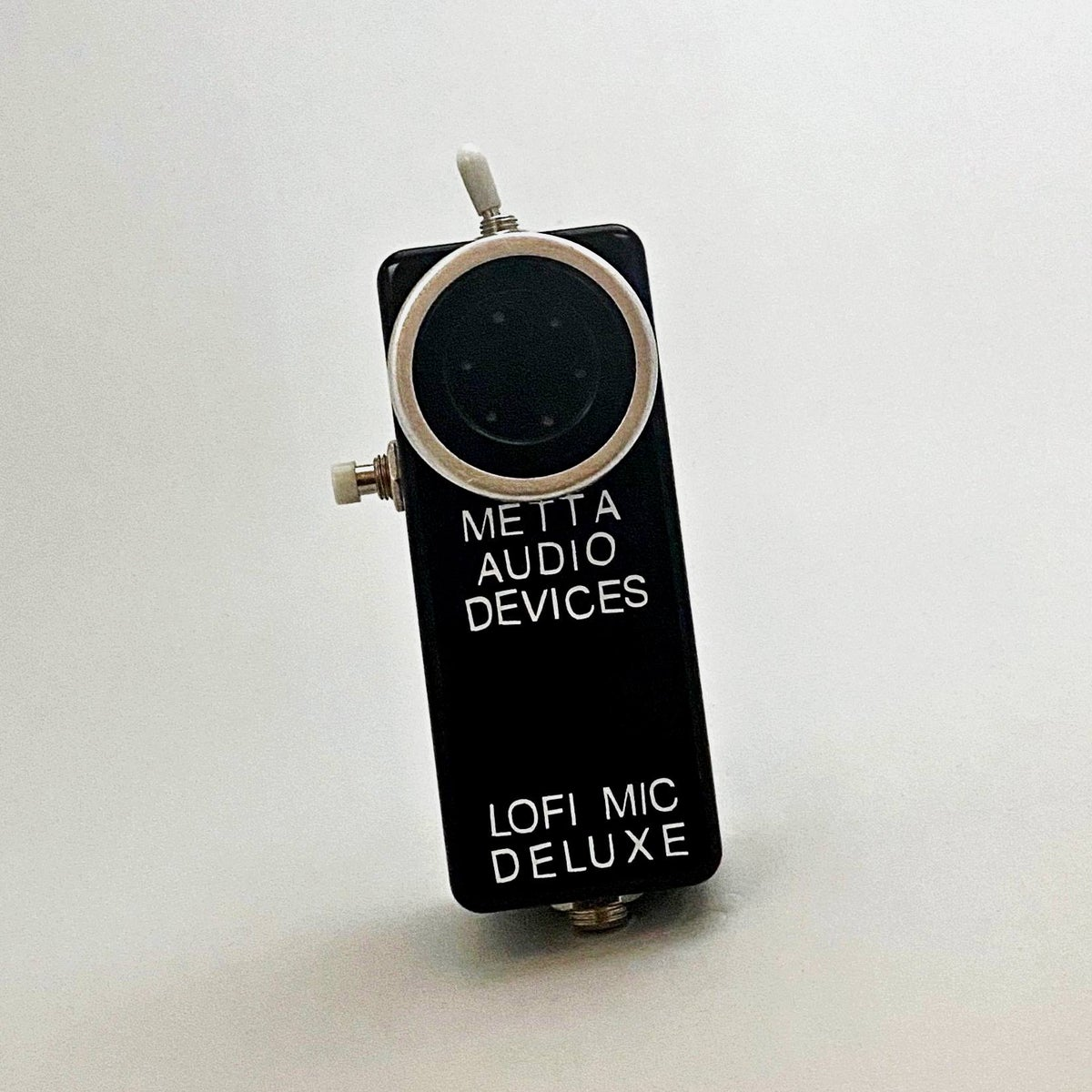 Image of METTA MIC DELUXE / Handheld Lo-Fi  Vocal Mic Mute & Stutter Control