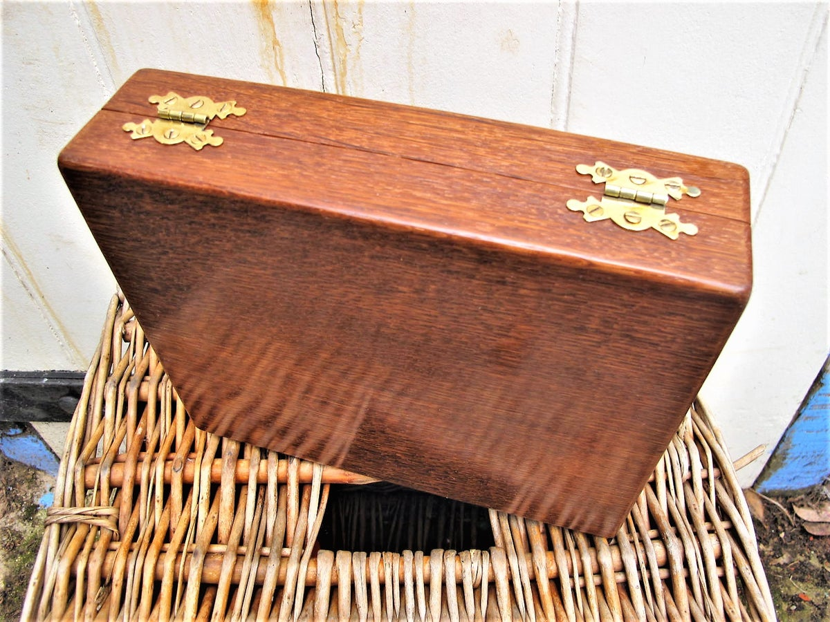 Image of Handmade Oak float box
