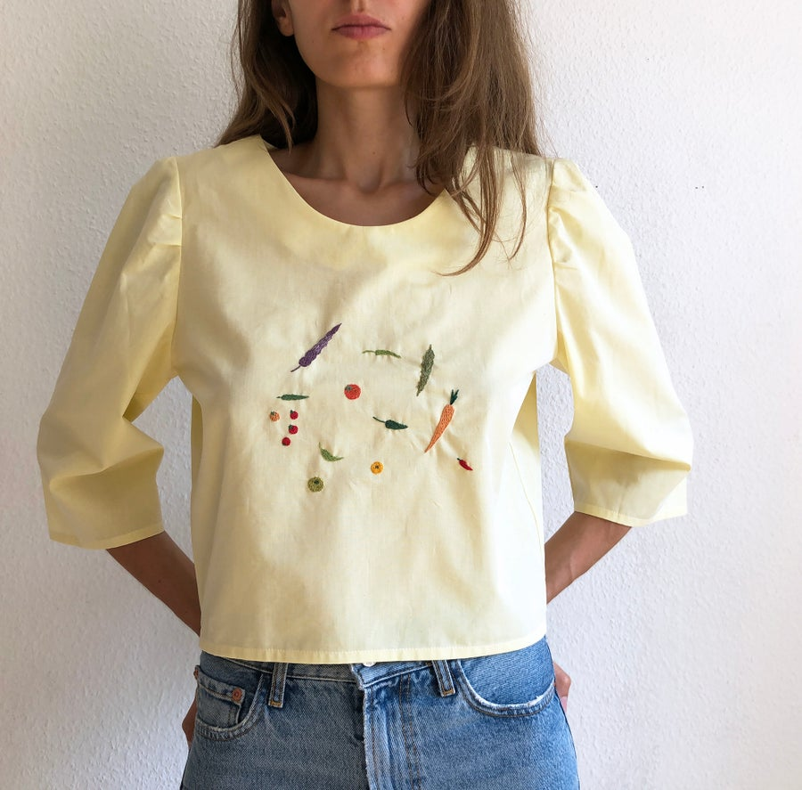 Image of Pre-order: Margareth Veggies shirt - Damaja designed shirt, made of 100% organic cotton in Berlin