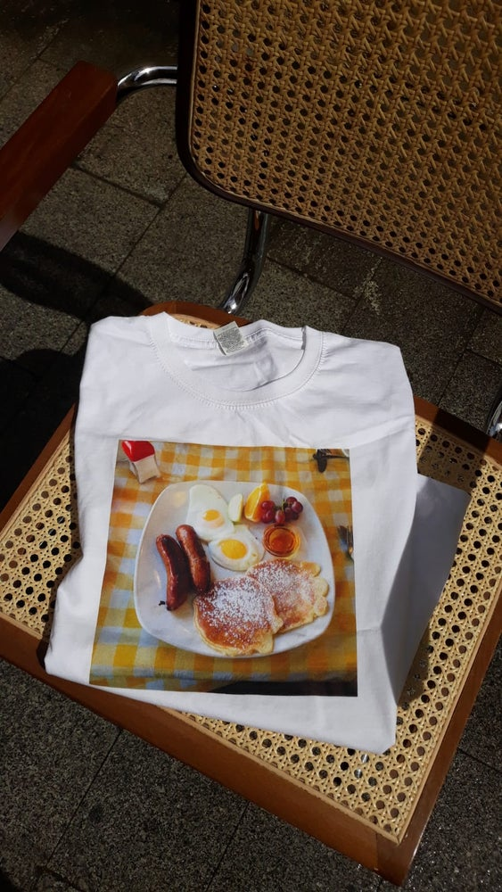 "Image of T-shirt ""English breakfast"""