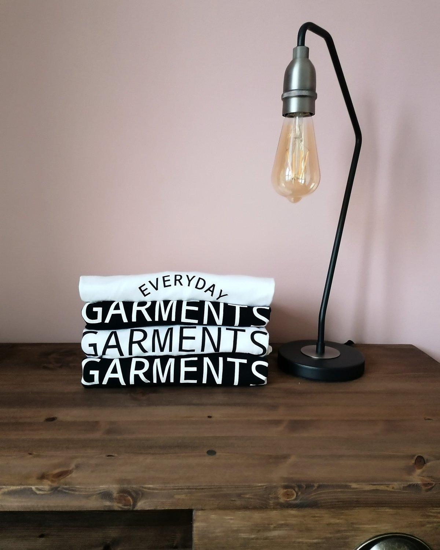 Image of EVERYDAY GARMENTS SIMPLE DESIGN TEE