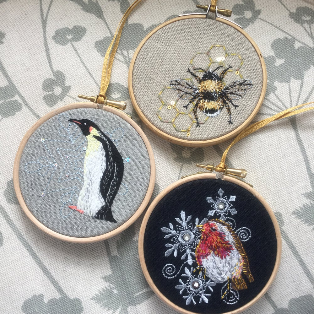 Image of Robin hoop applique & hand embroidery kit