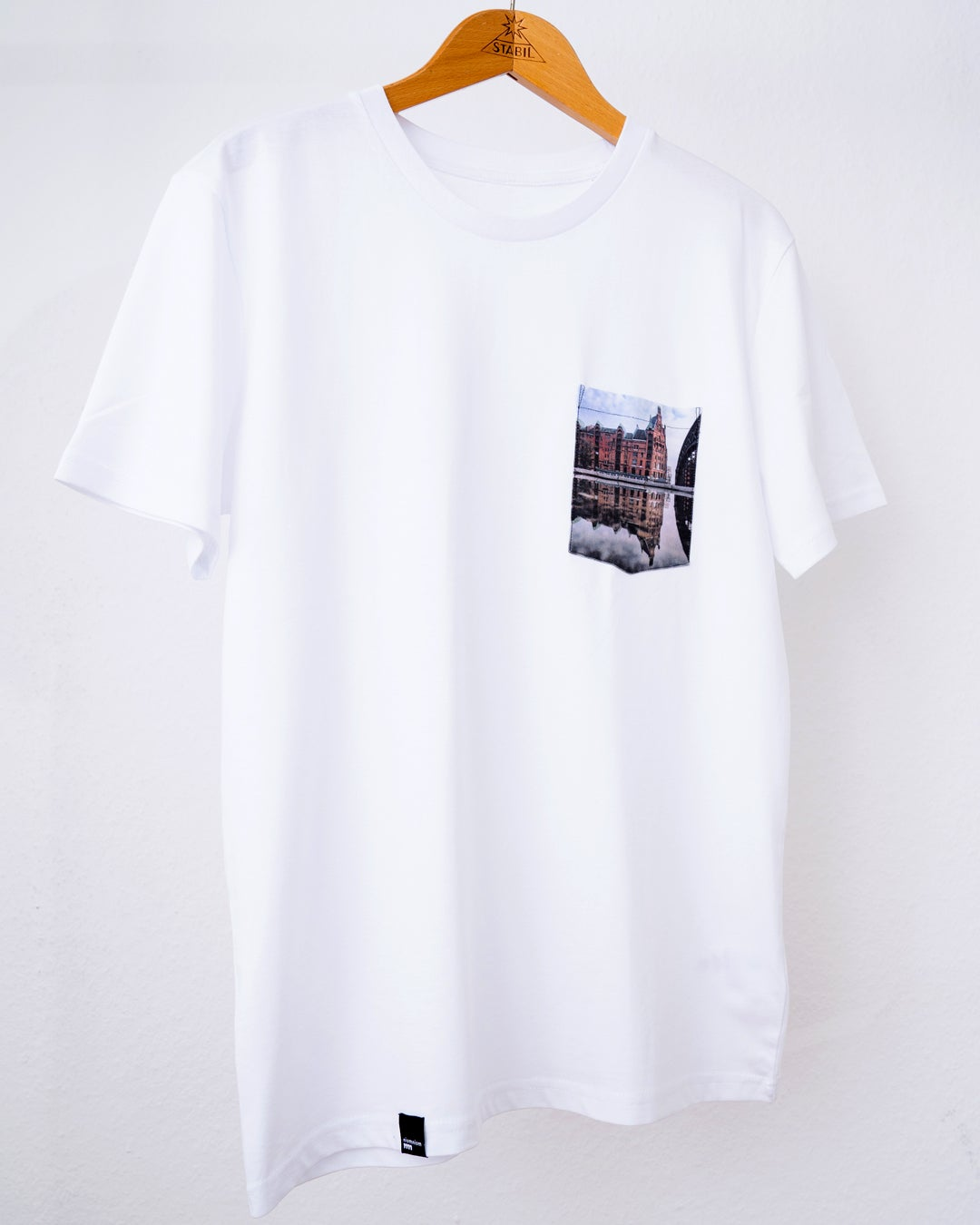 "Image of Shirt ""Doppelt gespeichert"""