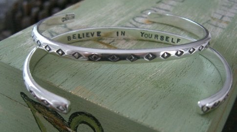 "Image of ""Believe in Yourself"" Sterling Bracelet with Diamond Pattern"