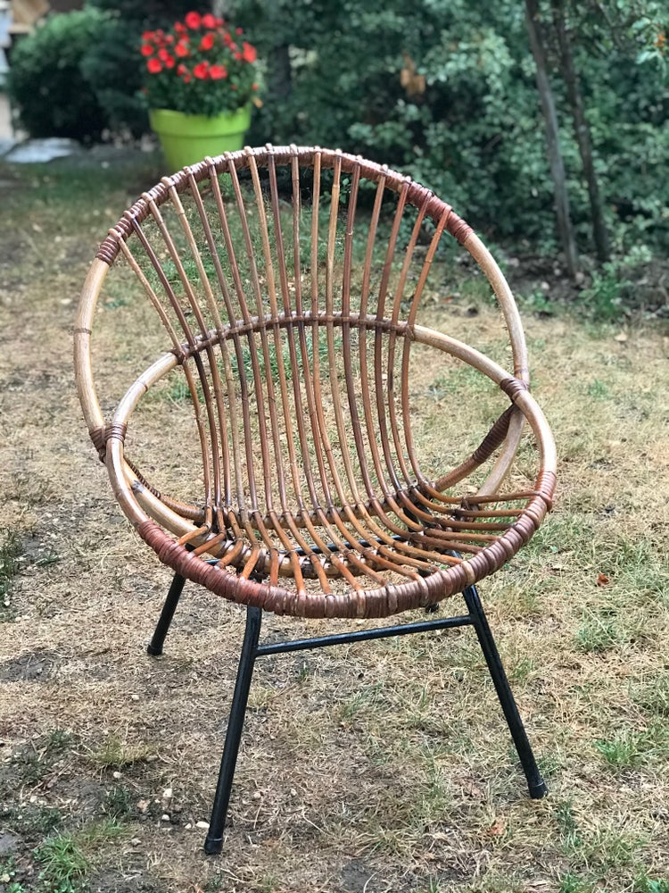 Image of Petit fauteuil coquille en rotin années 50/60