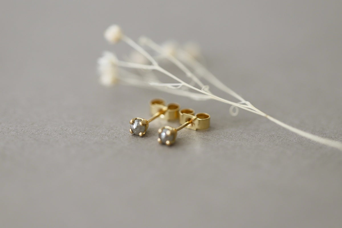 Image of 18ct gold Rose-cut diamond stud earrings