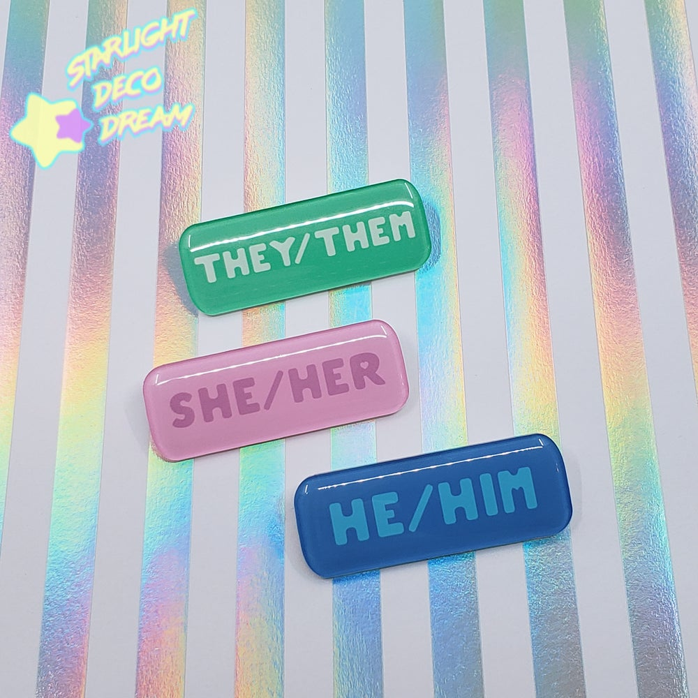Image of Pronoun Name Badge Pin Epoxy Resin-coated Acrylic Nametag