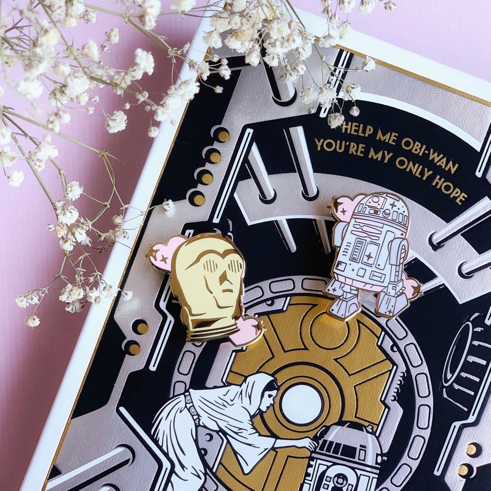 Image of C3PO pin
