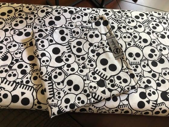 Image of Pile-o-skulls