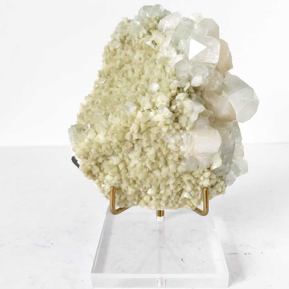Image of Apophyllite/Stilbite no.03 + Lucite and Brass Stand