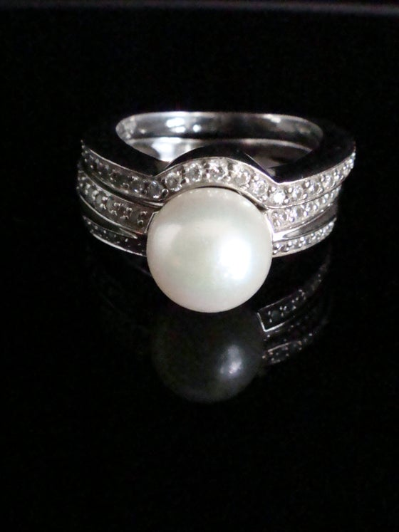 Image of Modern 18ct white gold cultured pearl and diamond ring plus diamond band