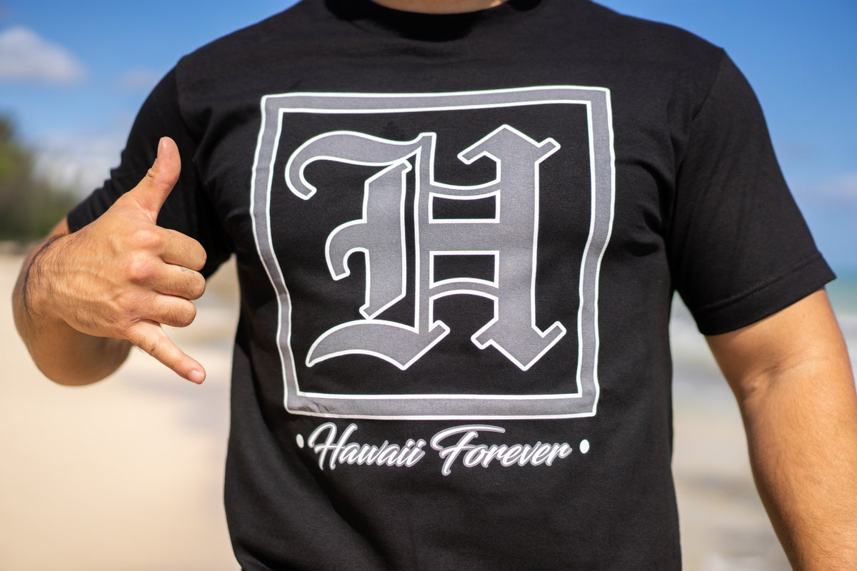 Hawaii Forever Grey - (Black T-shirt)