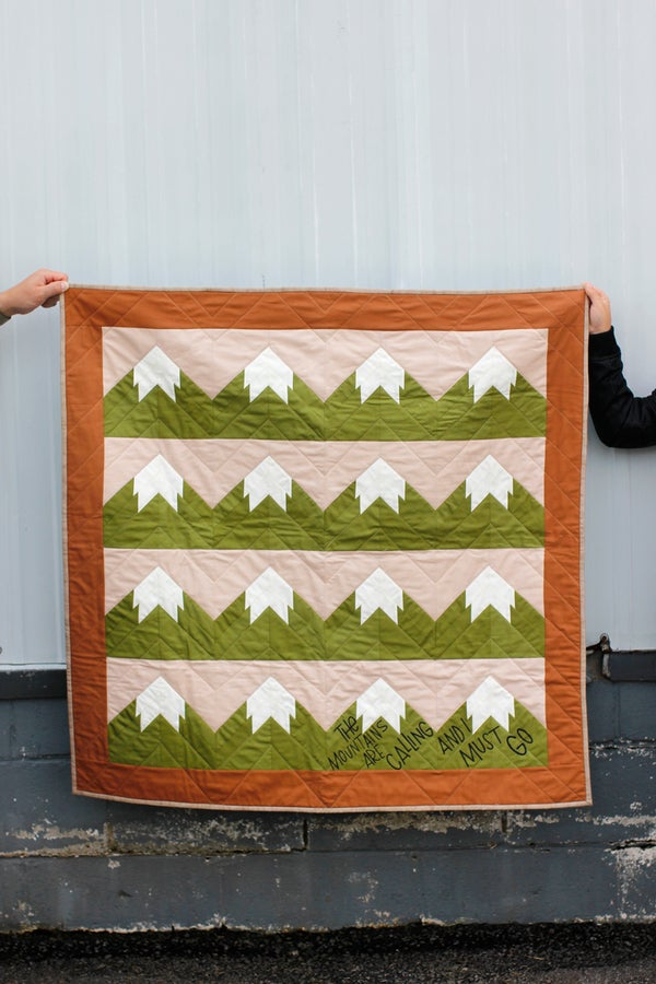 Image of SNOWY MOUNTAIN QUILT Pattern PDF