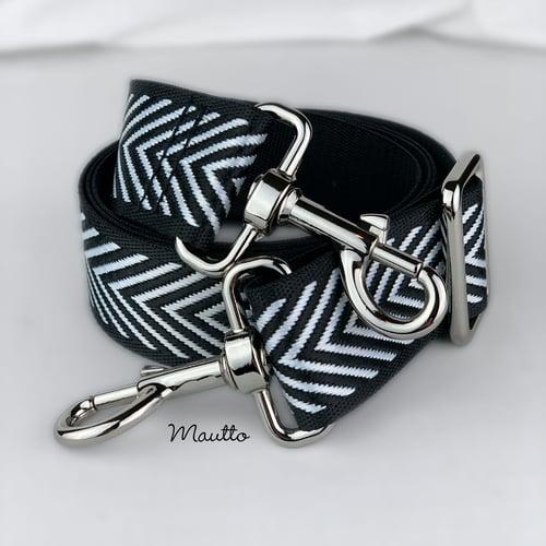 """Image of Black & White Chevron Strap - 1.5"""" Wide Nylon - Adjustable Length - Dog Leash Style #19 Hooks"""