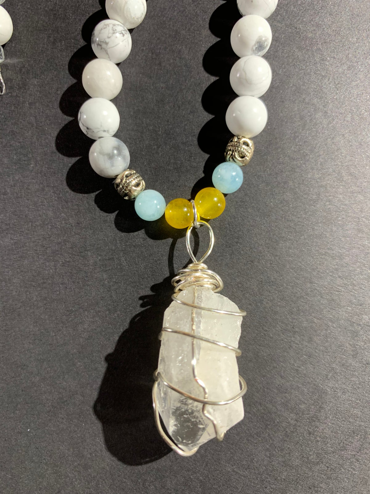 Howlite w/ Aquamarine and Yellow Jade Set