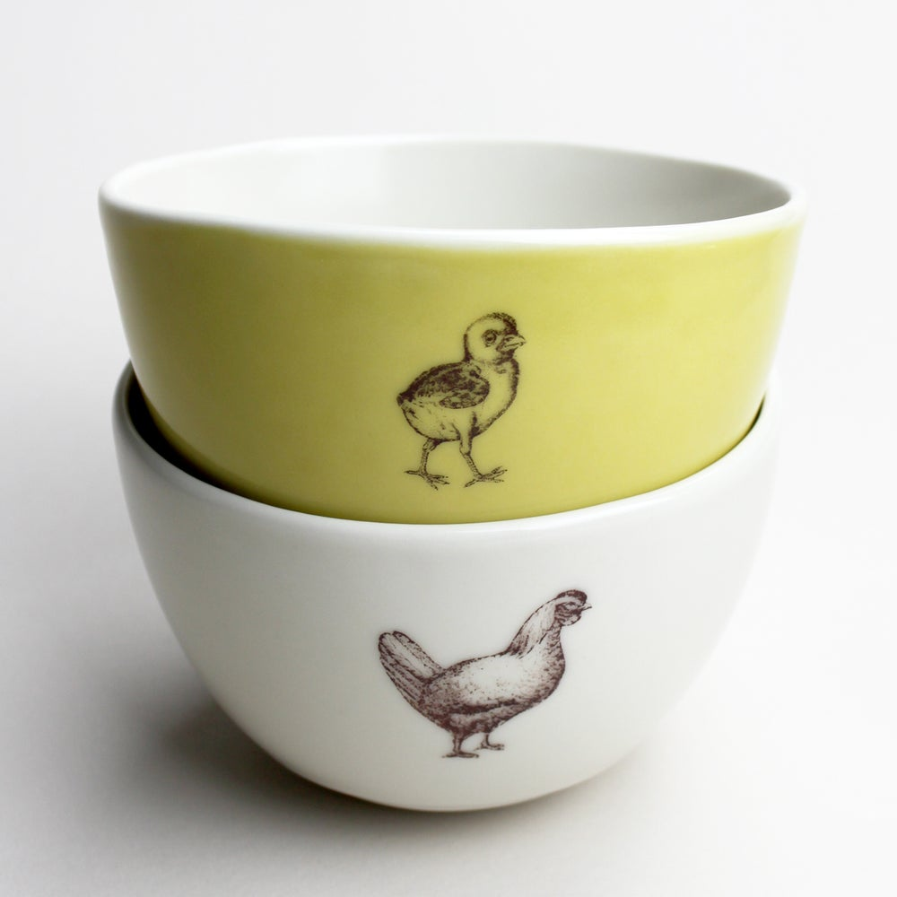 Image of roly soup/cereal/yogurt bowls, set of two, with baby chick and chicken