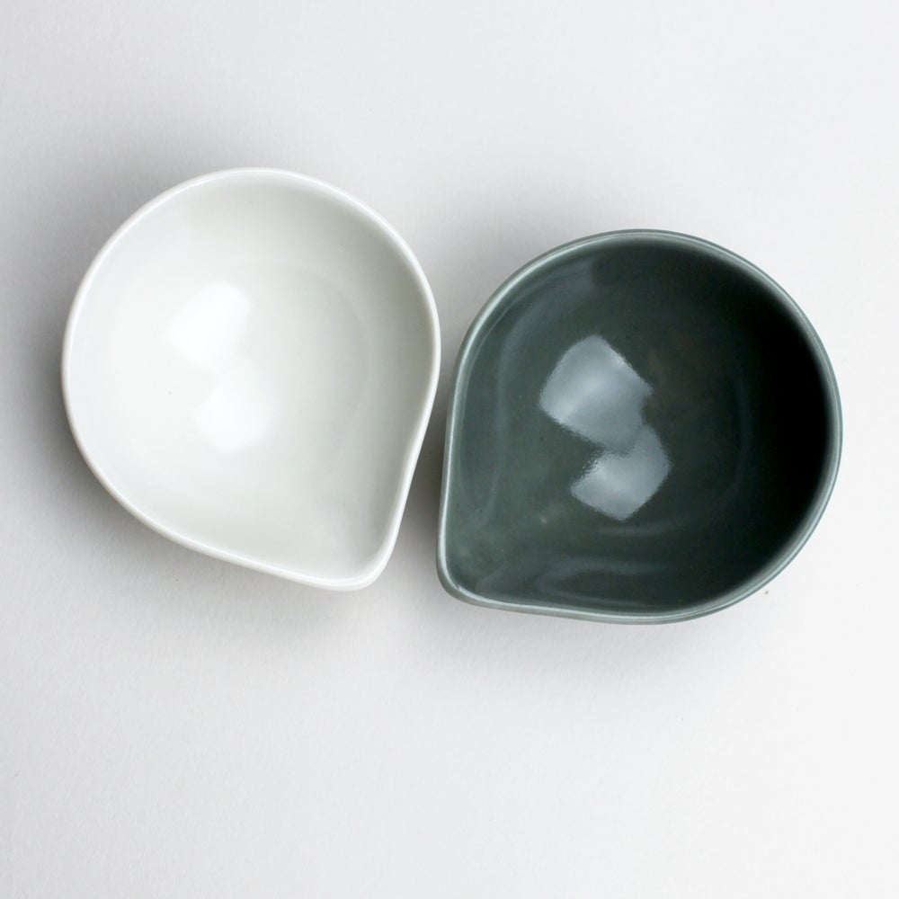 Image of spouted salt and pepper set