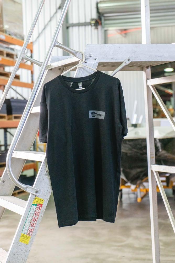 Image of Urban Malibu T-shirt - Black/Charcoal