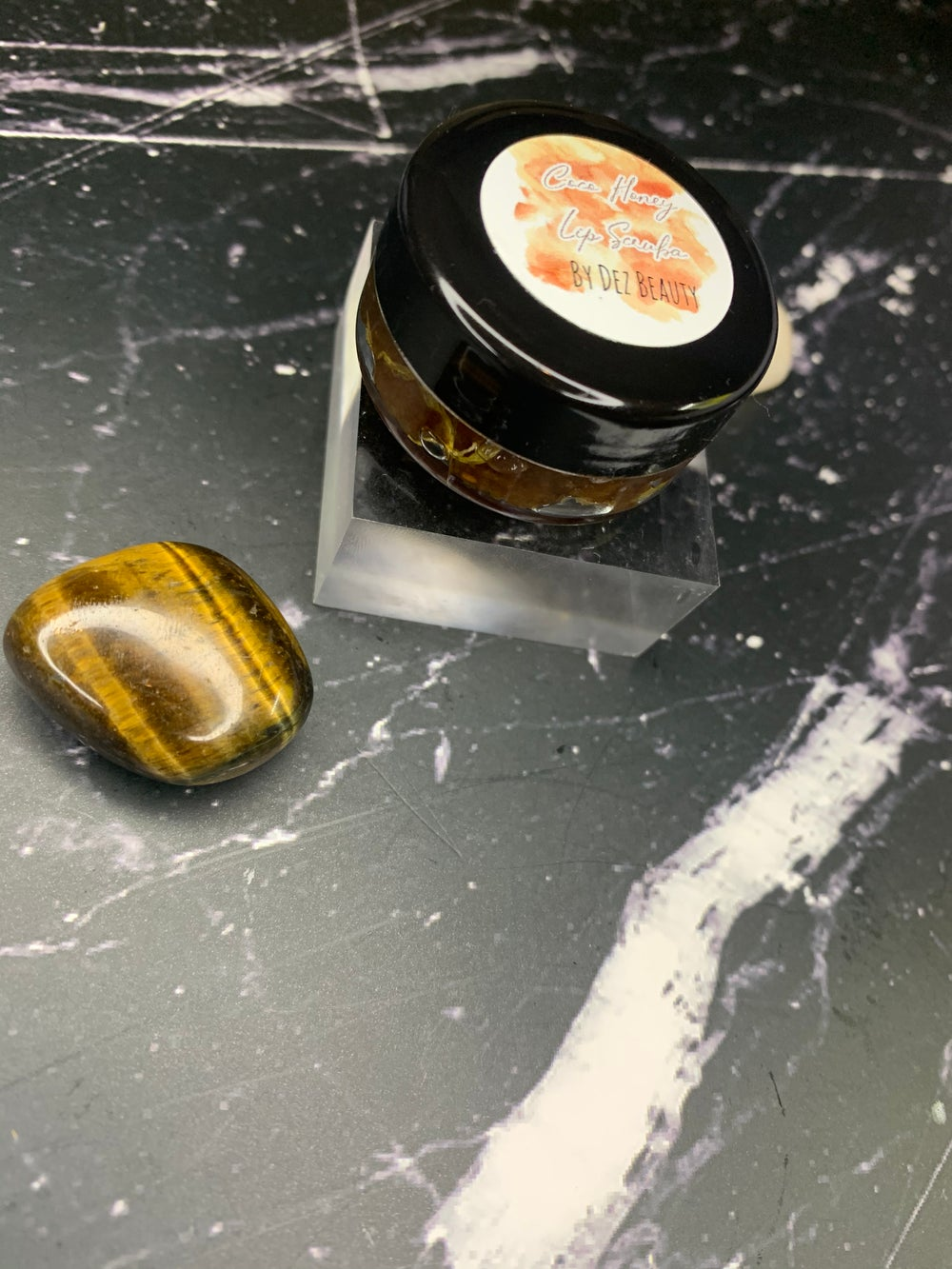Image of EDIBLE COCO HONEY Lip Scruba