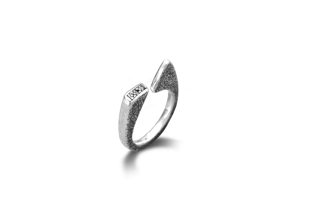Image of Geometric ring with black spinels