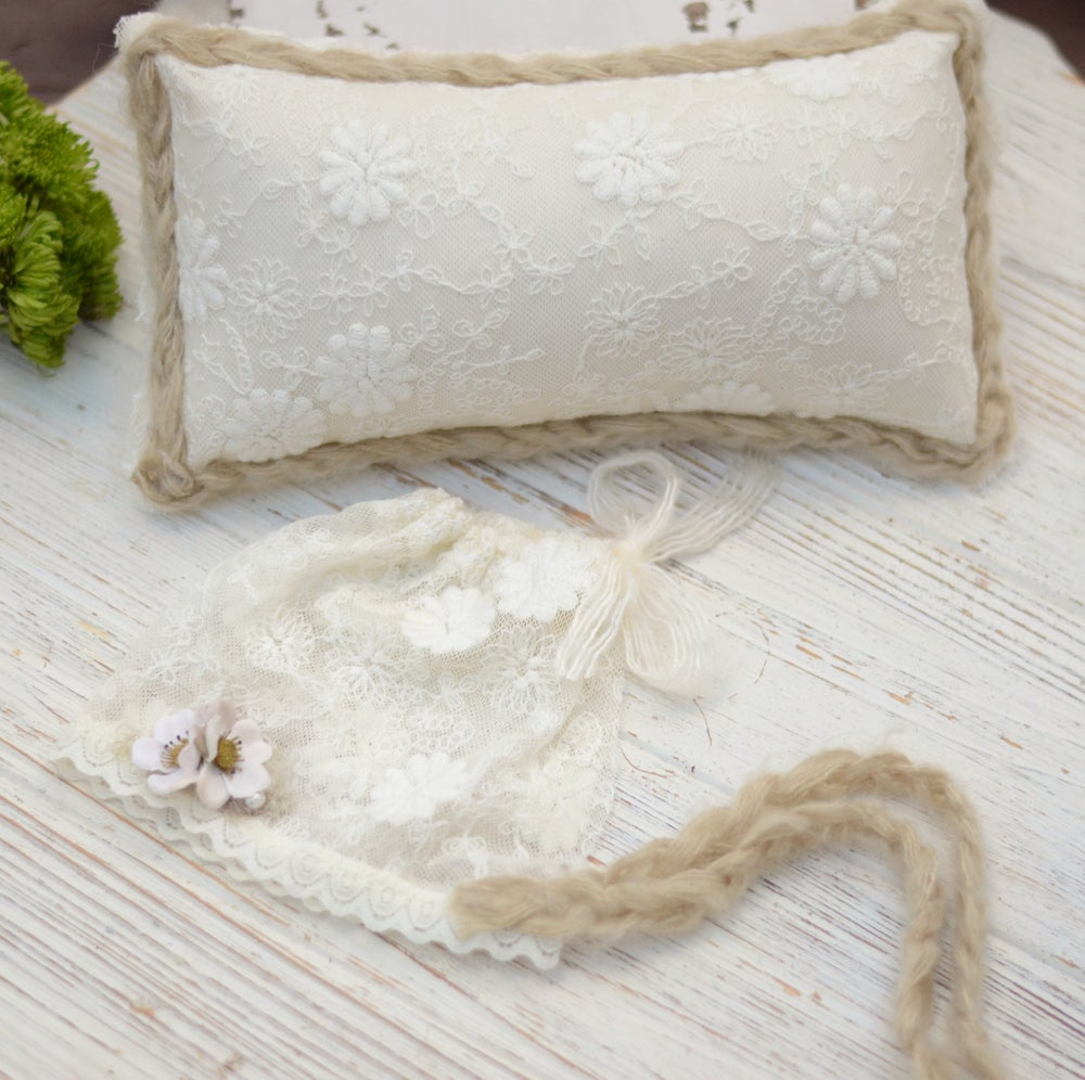 Image of Luxury embroidery lace pillow/bonnet set