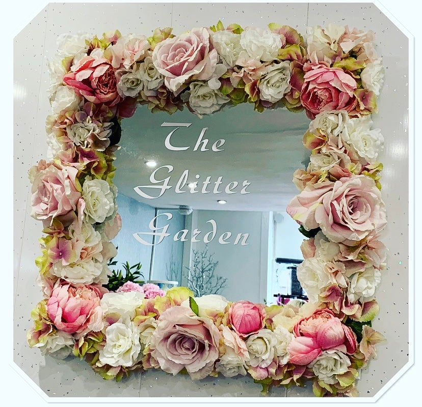 Image of Artificial Flower Mirror 🌸